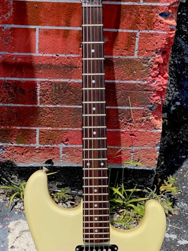 1986 Squier by Fender Stratocaster HSS White finish