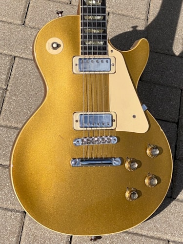 1973 Gibson Les Paul Deluxe Gold Top finish