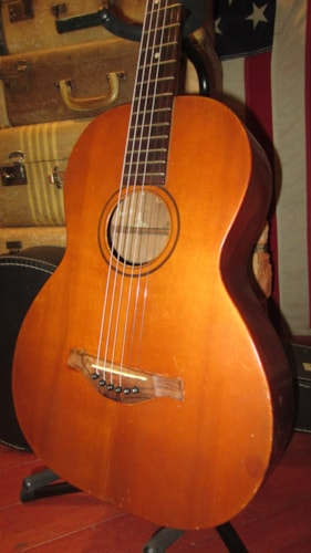 ~1929 Wolfram's Triumph Parlor Small Bodied Guitar Natural