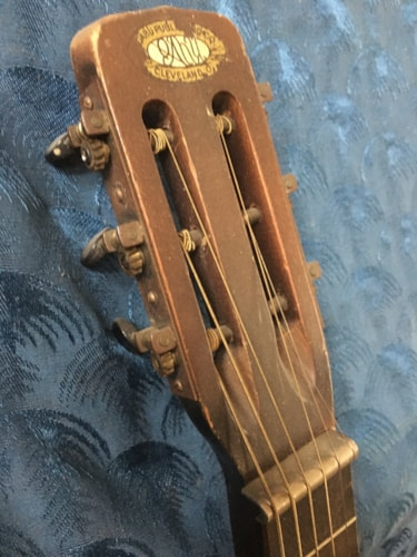 ~1930 Oahu Hawaiian Square neck acoustic guitar