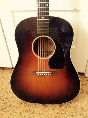 1944 Gibson Banner J-45- Maple Burst, Near Mint, Hard, $9,500.00