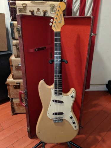 1963 Fender  Musicmaster Duo Sonic Desert Sand Double Pickup Plays Great