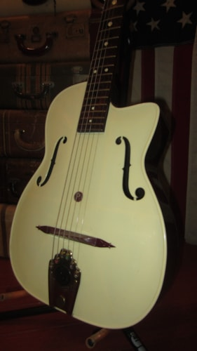 1963 Maccaferri G-30 Acoustic White, Excellent, Soft, $695.00