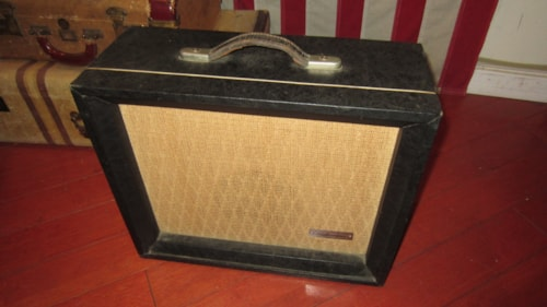 1964 Silvertone 1471 Small Tube Combo Amp Grey, Excellent, $399.00
