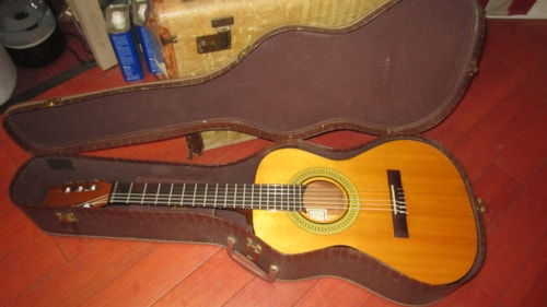 ~1965 Gibson C-1S Small Bodied 3/4 Classical Guitar Natural w/ Hang Tags and Original Case