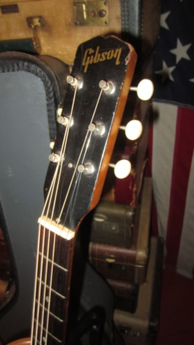 1968 Gibson B-15 Small Bodied Acoustic Natural Mahogany, Excellent, Original Soft, $999.00