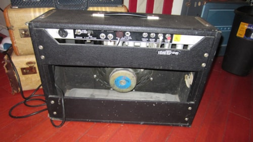 1976 Fender Deluxe Reverb Amp Silverface