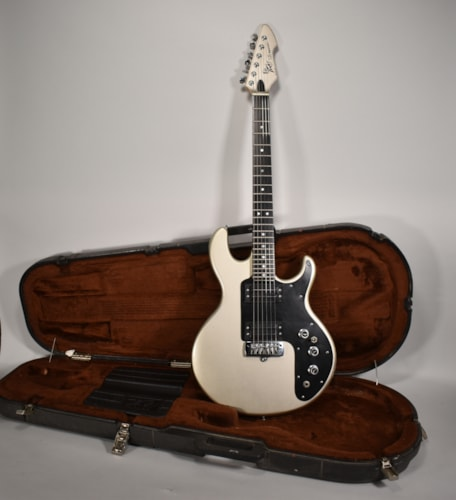 1982 Peavey T-25 Special Pearl Silver Electric Guitar