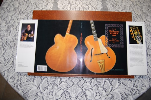 1991 Gibson The Super 400 first edition book dust jacket
