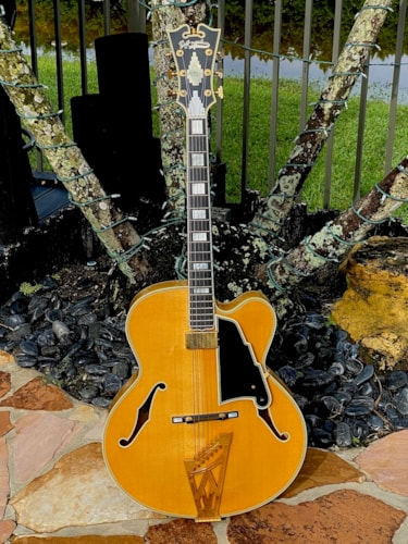 1993 D'Angelico New Yorker Blonde finish # 10 of 19 made by Heritage Guitars