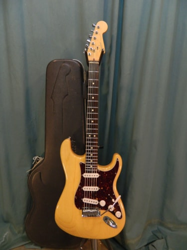 1999 Fender American Series Stratocaster Natural