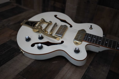 2010 Epiphone Wildkat Royale with Bigsby Pearl White