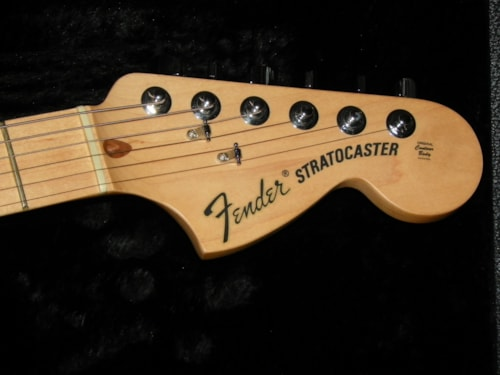 2010 Fender® USA American Special Stratocaster® Candy Apple Red, Excellent, Hard, $899.00
