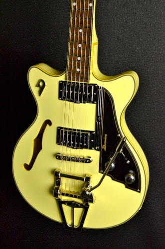 2014 Duesenberg Starplayer TV Fullerton Series Vintage White All Over, Brand New, Original Hard