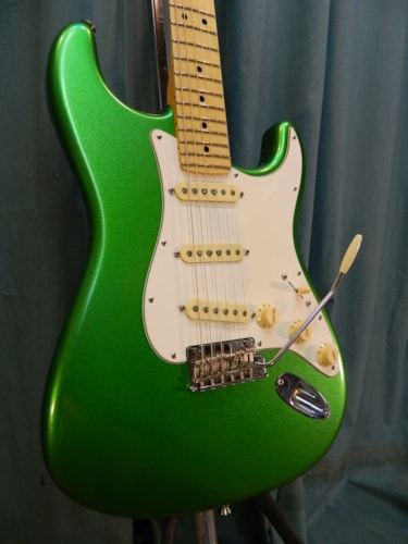2017 Fender American Professional Series Stratocaster Lime Green(refinish)