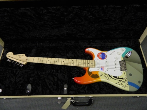 2017 Fender Eric Clapton Stratocaster Crash 1 Grapic