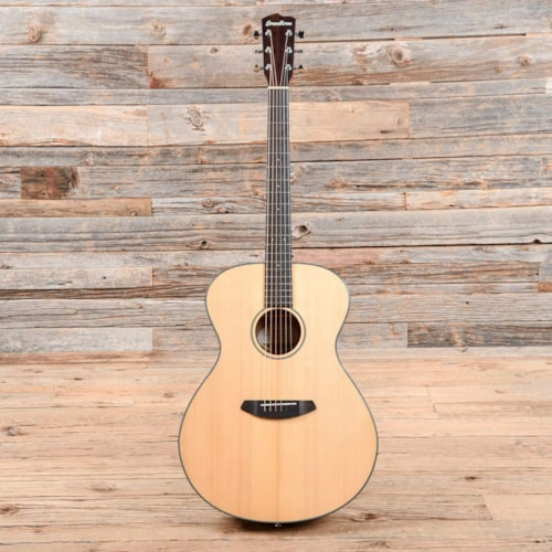 Breedlove Discovery Concerto Natural 2018