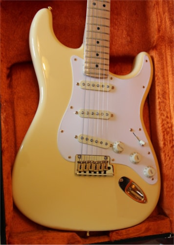 2018 Fender Limited Edition Professional Stratocaster Vintage White