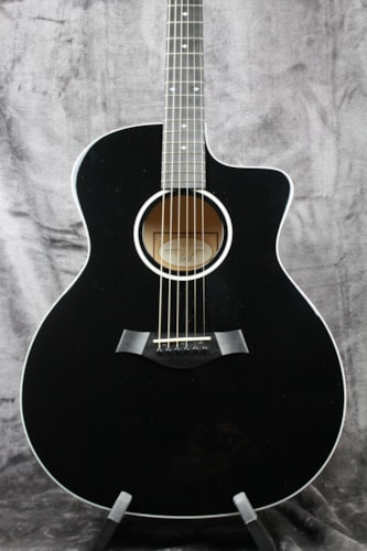 2019 Taylor 214ce Deluxe Black