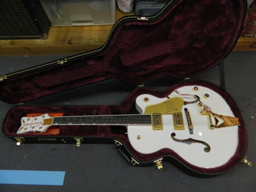 2020 Gretsch G6136T Players Edition Falcon White