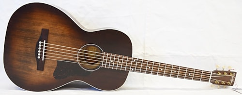 Art and Lutherie Roadhouse A/E Bourbon Burst