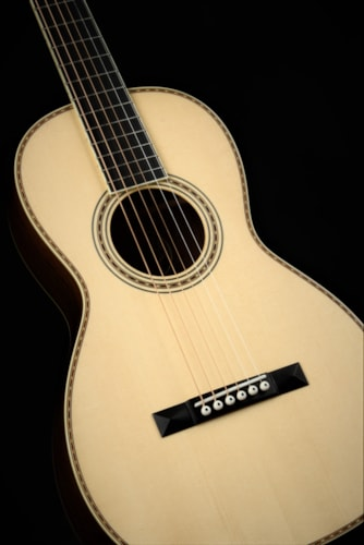 Collings Parlor Deluxe 2A T Madagascar