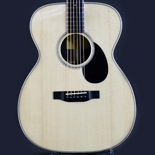 Eastman E80M OM Acoustic Guitar All Solid Natural w/ Case (M2010465)