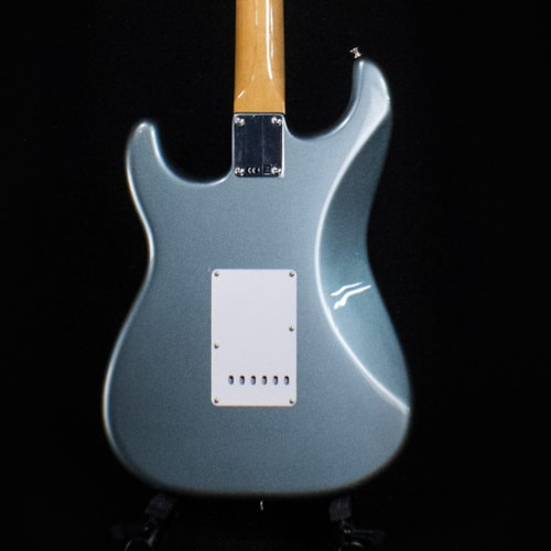 Fender Vintera '60s Stratocaster Ice Blue Metallic (MX19132600)