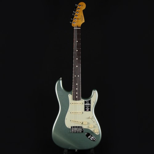 Fender American Professional II Stratocaster SSS Mystic Surf Green Rosewood Fretboard (US210006115)