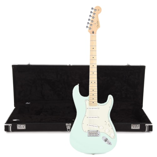 Fender Player Stratocaster MN Surf Green w/3-Ply Mint Pickguard and Hardshell Case Bundle