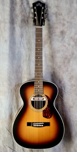 Guild Westerly Collection M-240E Troubador