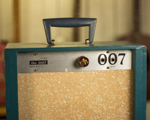 ~1967 Gregory 007 Blue and sparkle grillcloth