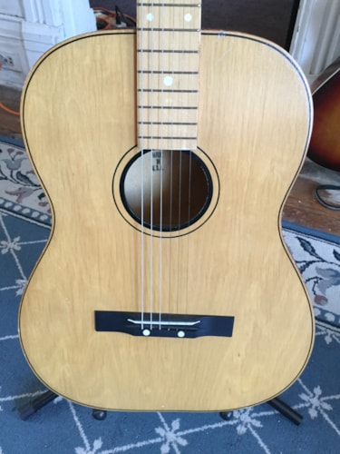 """""""Made in U.S.A."""" Acoustic Guitar Natural, Good"""