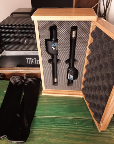sE Electronics RN17 Pencil Microphone Factory-Matched Stereo Pair with Shockmounts and Custom Case