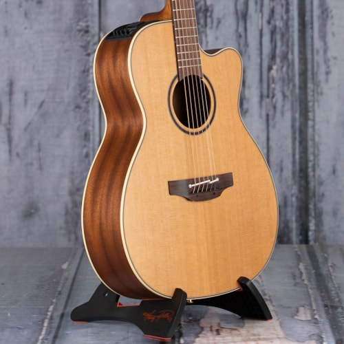 Takamine P3MC Orchestra Acoustic/Electric, Natural