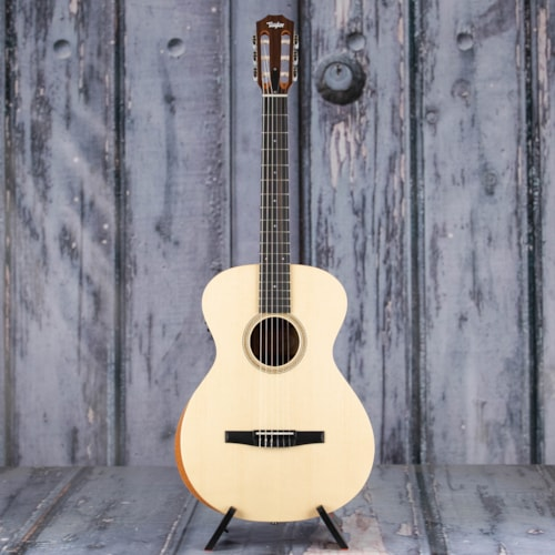 Taylor Academy 12e-N Acoustic/Electric, Natural