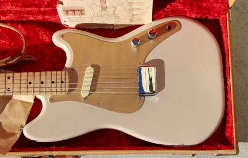 Vintage 1957 Fender Musicmaster - Desert Sand with Anodized Gold Pickguard